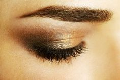 Smokey eye: Brown is the new black. That is what the Chanel free lance make up artist told me! Makeup Tips, Beauty Makeup, Hair Beauty, Makeup Ideas, Kiss Makeup, Hair Makeup, Golden Eye Makeup, Makeup Gallery, Thick Brows