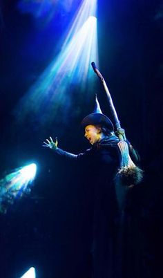 Defying gravity - Ana Ceci Anzaldua as Elphaba #Wicked México