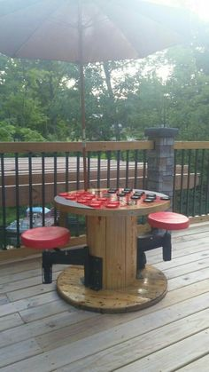 72 Clever DIY Recycled Spool Furniture Ideas for Outdoor Living