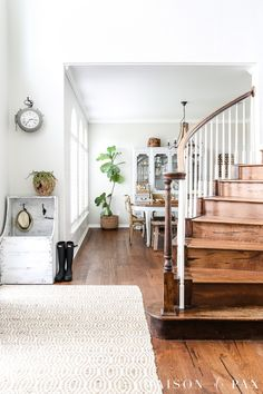 simple, modern farmhouse entryway with neutral textures, smart storage, and a gorgeous wooden staircase Interior Natural, Warm Gray Paint, Interior Paint, Interior Design, Interior Stairs, Greige Paint, Repose Gray, Favorite Paint Colors, Dining Room Walls