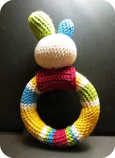 Playful Baby Loop Rattle by Ivana Lörincovaclose (free pattern) {ravelry.com}