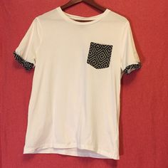 MENS white printed pocket tee Like new. Men's medium I would say small though looks as if it runs that way. H&M Tops Tees - Short Sleeve