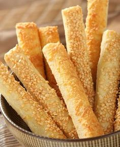 Palitos de queso con masa casera - Ill Tutorial and Ideas Tapas, Salty Foods, Pan Dulce, Pan Bread, Pastry And Bakery, Cooking Time, Cookies, Cookie Recipes, Food And Drink