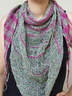 Ladies triangle scarf. Handwoven. Cotton by HandweavingbyMima