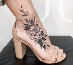 Tattoo 31857 Sexy Rose Tattoo Ideas For Women - Best Tattoos For Women: Cute, Unique, and Meaningful Tattoo Ideas For Girls - Get Cool Female Tattoos with Pretty Designs Tattoos For Women Small Meaningful, Best Tattoos For Women, Sleeve Tattoos For Women, Tattoo Designs For Women, Trendy Tattoos, Meaningful Tattoos, Small Tattoos, Tattoos For Guys, Flower Tattoos