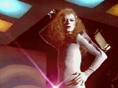 30 gifs do David Bowie para assistir ininterruptamente