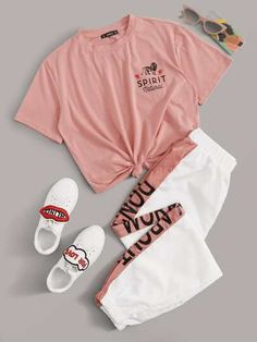 Women's Pink Short Sleeve Tee With Contrast Side Seam Jogger Two Piece Set. love this cute pink short sleeve tee with matching white and pink women's joggers. Cute Lazy Outfits, Sporty Outfits, Retro Outfits, Stylish Outfits, Summer Outfits, Batman Outfits, Crazy Outfits, Formal Outfits, Rock Outfits