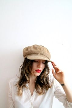 e3b9c17cc5eff Vintage Corduroy Newsboy Hat Velvet Gatsby Hat Velvet Beret Hat Beige Newsboy  Hat French Hat Slouchy