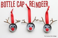 These Bottle Cap Reindeer Ornament might just be the fastest homemade Christmas decoration you'll ever make. The Bottle Cap Reindeer Ornament is incredibly simple, but it's also impossibly cute. Reindeer Craft, Reindeer Ornaments, Diy Christmas Ornaments, Christmas Projects, Handmade Christmas, Holiday Crafts, Holiday Fun, Christmas Decorations, Christmas Ideas