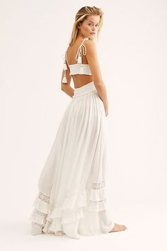 Ruffle on all over the dress. Lace trim on front & back. White Skirt Outfits, White Maxi Dresses, Day Dresses, Nice Dresses, Summer Dresses, Summer Maxi, Maxi Dress Styles, Boho Outfits, Best Maxi Dresses