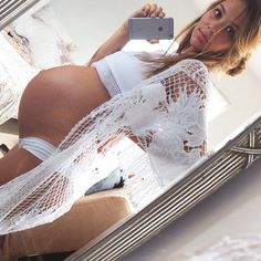 7 Foods Pregnant Moms Eat That Have Immediate Effects On The Baby - Mintain Pregnancy Goals, Pregnancy Outfits, Pregnancy Photos, Pretty Pregnant, Pregnant Mom, Pregnant Picture, Maternity Wear, Maternity Fashion, Bali Body