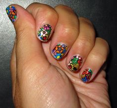 so cute! i wonder how they did this #nails #naildesigns #fingernails laraecromer