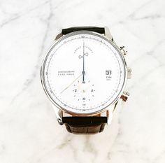 Beyaz her dönemin şıklığında! #white #watch #aboutvintage