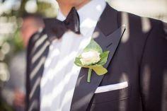 Prendido de rosa para el novio | Detalle rosas rosa palido, en una boda en el Convent de Blanes #lafloreria #bouquet #ramos #grooms #barcelona #novias #bodas #weddings #bridalbouquet #bridals ♥ ♥ La Floreria Barcelona ♥ ♥ para descubrir nuestras creaciones visita la web: www.lafloreria.net/ UNA BODA ROMÁNTICA | LA FLORERIA