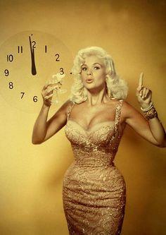 Jayne Mansfield - curves to die for.