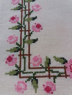 Cross Stitch Art, Cross Stitch Borders, Cross Stitch Alphabet, Cross Stitch Flowers, Cross Stitch Designs, Cross Stitching, Cross Stitch Embroidery, Cross Stitch Patterns, Crochet Bedspread