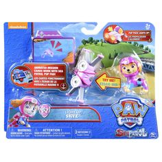 It takes a brave pup to fly into mystery and dive into adventure. Paw Patrol Sea Patrol Light Up Skye is ready when you are! Snap on her Light Up Pup Pack and get ready for daring underwater exploits. Activate the light by holding down the Pup badge on the Pack. Before you and Skye start hunting for clues on the bottom of the sea, learn the details of your case using the animated Mission Card. Slide it into your Sea Patrol Pup Pad (sold separately) and start cracking the case. This Pup's ...