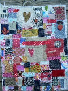 freeform patchwork-this is what quilting should look like. Crazy Patchwork, Crazy Quilting, Patch Quilt, Fabric Art, Fabric Scraps, Textile Art, Hand Embroidery, Embroidery Ideas, Fiber Art