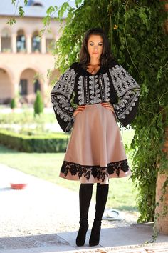 Fusta romaneasca stofa - crem cu dantela neagra - Clasic Folk Fashion, Tribal Fashion, Womens Fashion, Bohemian Costume, Tribal Mode, Dress Skirt, Dress Up, Böhmisches Outfit, Ukrainian Dress