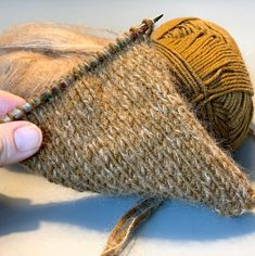 Just For Fun, Handicraft, Straw Bag, Knitted Hats, Knitwear, Diy And Crafts, Knit Crochet, Reusable Tote Bags, Homemade