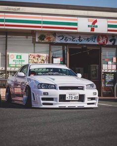 Nissan Skyline, Nissan Gtr Skyline, Best Jdm Cars, Dream Cars, Nissan Gtr R34, Street Racing Cars, Auto Racing, Drag Racing, Japanese Sports Cars
