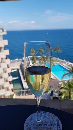 White Wine, Cheers, Alcoholic Drinks, Glass, Balearic Islands, Drinkware, Corning Glass, White Wines, Liquor Drinks