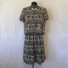 """Madewell Silk Two-Piece Dress in Woodcut Paisley NWT! """"This lightweight silk dress combines the look of a two-piece with the ease of a one-piece (ergo, no need to mess around with separates). Especially cool? A button-up back complete with an unexpected cutout."""" -Madewell site. Size 6, TTS. Elastic waistband. Has pockets! Shoulder seam to hem is approx. 36.5 inches. NWT! Perfect condition! Madewell Dresses"""
