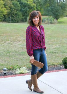 I love the tie neck trend for fall. This would be a great date night outfit.