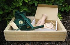Sow & Grow Gift Set - This set combines all you need to get your seedlings off to a flying start, a Company Shed seedling potter & seed tray, Haws 0.7L watering can & plant labels. Delivered gift wrapped!