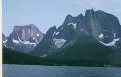 Big Wall Greenland -- shore of Ofjord