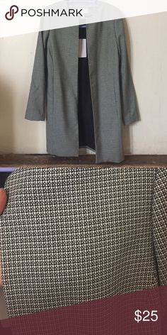 MIDI light jacket NWT Super cute and sophisticated jacket has pockets on the side no zipper or button for nice open flow Katherine Barclay Jackets & Coats