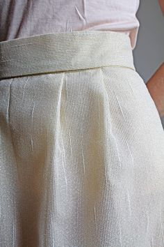 Jupe beige et or, doublée 100% coton, biais or à la ceinture