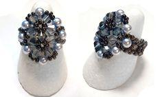 Pagina 1  Pagina 2     MATERIALE:  8 perle 4 mm  9biconi 4 mm  sfaccettate  rocailles  filo   Fonte: http://www.newperle.fr/
