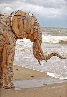 Treibholz-Skulptur