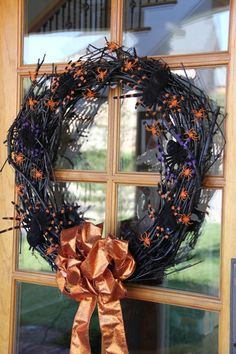 colorful spider wreath #halloweendecor #party