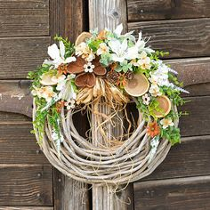 Veniec v prírodných farbách / Hydrangea - SAShE. Grapevine Wreath, Grape Vines, Wreaths, Home Decor, Decoration Home, Door Wreaths, Vineyard Vines, Deco Mesh Wreaths, Interior Design