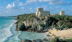 Omringt door een lichtblauwe oceaan én maya-tempels. Een waar paradijs op aarde. Combineer je relaxvakantie met een snufje eeuwenoude cultuur aan de Mexicaanse kust van Tulúm, twee uur rijden vanaf Cancún.