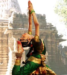 Bharatanatyam- 1st experienced this beautiful dance performed by a friend, Naina Michaud.