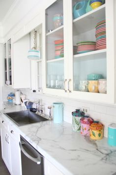 House of Turquoise: Lesli DeVito of My Old Country House :: white kitchen featuring Formica® Calacatta Marble 180fx®