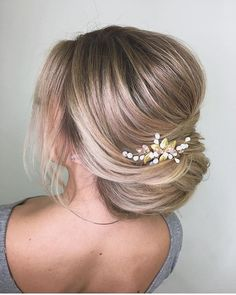 Best hairstyles - Whether you're going for a boho wedding ,chic romantic side bun or a classic affair, there's a hairstyle perfect for every bride's wedding