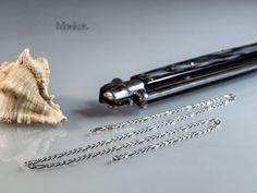 """FIGARO 120 – łańcuch srebrny .Solidny łańcuch zwany """"Figarem"""". Jest on wytrzymały przez co można na nim zawieszać grubsze krzyżyki itp. Nasza biżuteria jest sprowadzana bezpośrednio z Włoch, zapewniając mistrzowską jakość wykonania, oraz  piękne i stylowe wzornictwo. #łańcuch #biżuteria #błyszczący #modny #męski # włoski #prezent"""