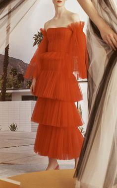 Get inspired and discover Carolina Herrera trunkshow! Shop the latest Carolina Herrera collection at Moda Operandi. Diy Dress, Tulle Dress, Dress Up, High Fashion, Fashion Show, Fashion Design, Fashion Trends, Turquoise, Carolina Herrera