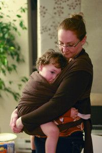 Are you ready to wean your breastfeeding toddler? Use these gentle tips to help the transition while you wean your breastfeeding toddler. Breastfeeding Toddlers, Extended Breastfeeding, Stopping Breastfeeding, Kids And Parenting, Parenting Hacks, Parenting Plan, Parenting Classes, Weaning Toddler, Natural Baby