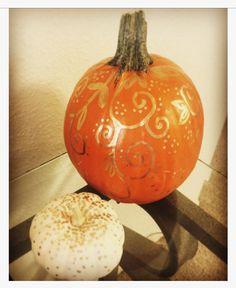 Gold paint pen on autumn gourds 🍁🍂🎃 Fall2016, Halloween, autumn, DIY