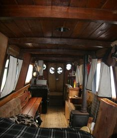 Houseboat Interiors Ideas - The Urban Interior Living On A Boat, Tiny Living, Living Spaces, Bauhaus, Canal Boat Interior, Yacht Interior, Narrowboat Interiors, Houseboat Living, Houseboat Ideas
