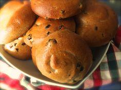 Raisin bread(wholegrain) with honey.