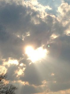 A sweet heart of light in the clouds. Heart Pictures, Heart Images, Nature Pictures, Beautiful Sky, Beautiful Places, Beautiful Pictures, Simply Beautiful, Heart In Nature, Heart Art