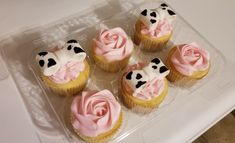 Cow themed cupcakes for a baby shower! Cow Baby Showers, Baby Shower Cupcakes For Girls, Baby Girl Shower Themes, Baby Shower Cakes, Cow Cupcakes, Farm Animal Cupcakes, Themed Cupcakes, Cow Birthday Parties, Baby Girl Birthday Theme