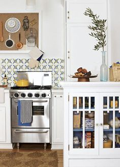 perfect little stove + oven for small spaces