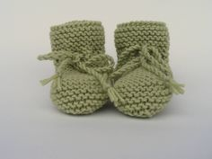 Hand Knitted Baby Booties, Baby Shower Gift, Avocado Green Baby Shoes, Garter Stitch Baby Knits, Sizes 0-3, 3-6, 6-12 months, Willow Booties by WoollywonderKnits on Etsy